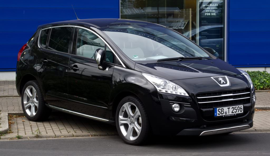 illustration peugeot 3008 hybrid4